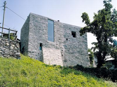 Haus B.