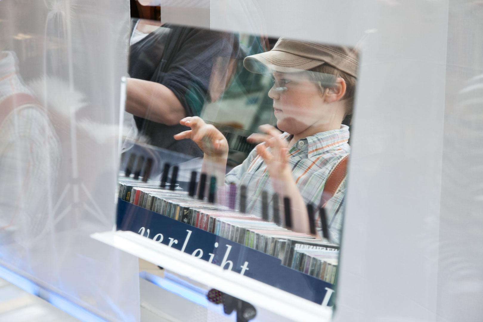 Innenarchitektur Und Szenografie Basel schaufenster börje müller